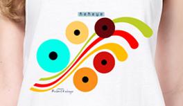 Retro T-Shirts in Dots Design & das offizielle Logo. Bunte Eyecatcher und Formen