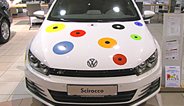 Volkswagen Shirocco in Kekeye Dots Design - Kooperation Porsche Autohaus Wien