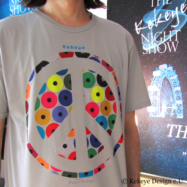 Kekeye T-Shirt of the Day / Peace in Dots Design / Photo © Kekeye Design e.U.